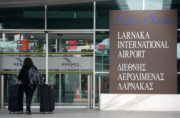 cargo-plane-makes-emergency-landing-at-larnaca-international-airport